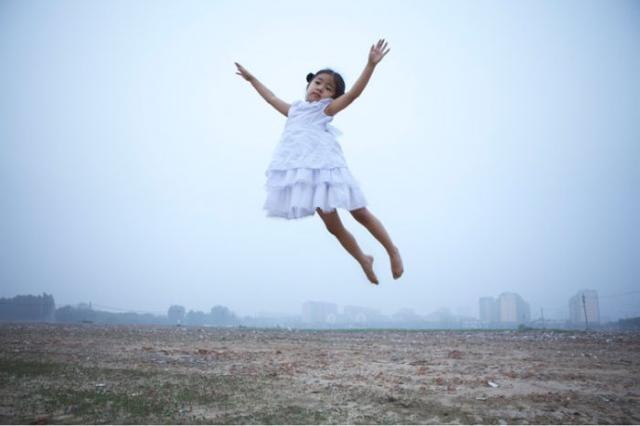 free_falling_by_li_wei_55